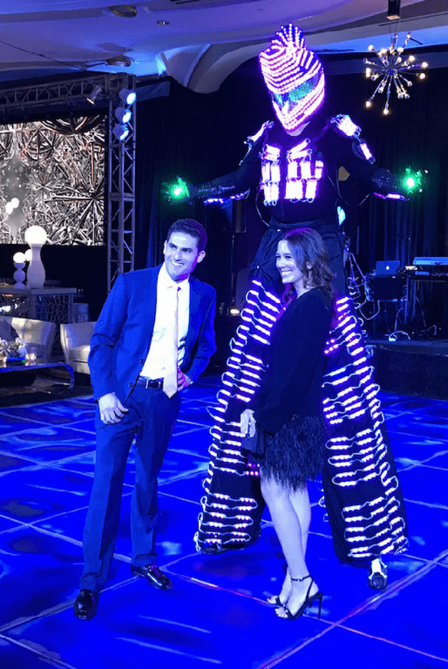 led-giant-robots-for-party
